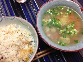 トマトスープと牡蠣とツナの炊き込みご飯