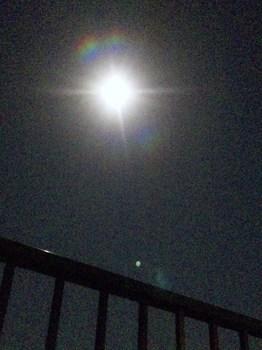 月が近づけば.jpg